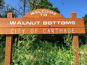 welcome to walnut bottoms sign carthage mo